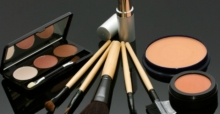 Natural cosmetics versus standard cosmetics: buying tips