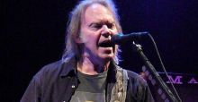 Neil Young takes on iTunes