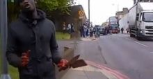 London machete attack in Woolwich: attacker covered in blood talks to bystanders - Video