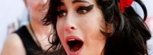 'Amy was forced on stage by bodyguards'