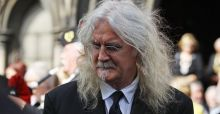 Billy Connolly beats cancer but has Parkinson's