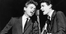 Everly Brothers' Phil Everly  dies aged 74