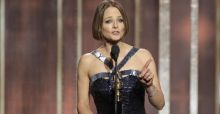Jodie Foster doesn't quite come out at Golden Globes