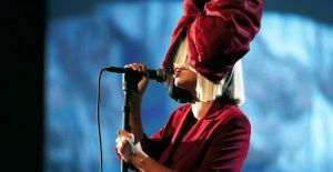 8 Interesting Facts about singer-songwriter Sia