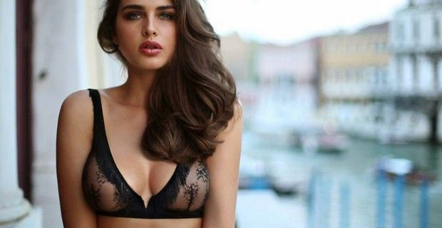 Intimissimi In The Woods And The Facets Of Venice Collections