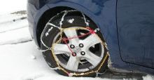 How to fit snow chains on cars tyres