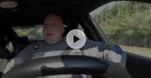Police Officer Lip Dubs Taylor Swift's Shake it Off In Patrol Car