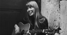 Joni Mitchell rushed to hospital and being kept in intensive care