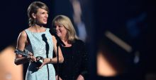 Talyor Swift's mum presents her daughter with Milestone at ACM awards