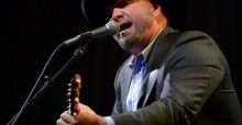 Garth Brooks' Irish concerts sell out in less than 2 hours