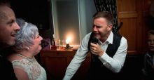 Gary Barlow serenades huge fan on her wedding day