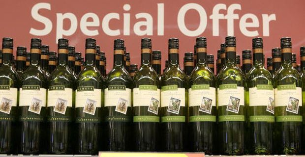 lobbying in alcohol industry Industry lobbyists are hijacking government alcohol policy reform discussions and hampering efforts in australia and the uk to curb drinking rates, health experts say.