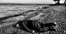 Artist Ai Weiwei posing as Syrian Refugee toddler that washed up on shore