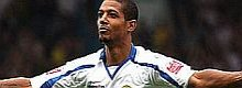 Jermaine Beckford signs for Everton