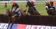 Bobs Worth claims Cheltenham Gold Cup