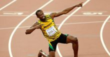 Usain Bolt defeats Justin Gatlin once again to take 200m Gold Medal