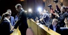 Oscar Pistorius says sorry for Reeva Steenkamp death