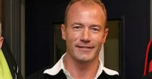Shearer backs Hodgson