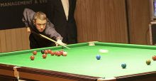 Hendry retires from snooker
