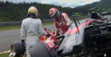 Alonso and Raikkonen crash at 2015 Red Bull Austrian GP | Vídeo